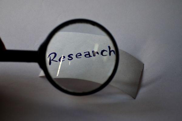 Onderzoek voor uw kern naar bepaalde onderwerpen